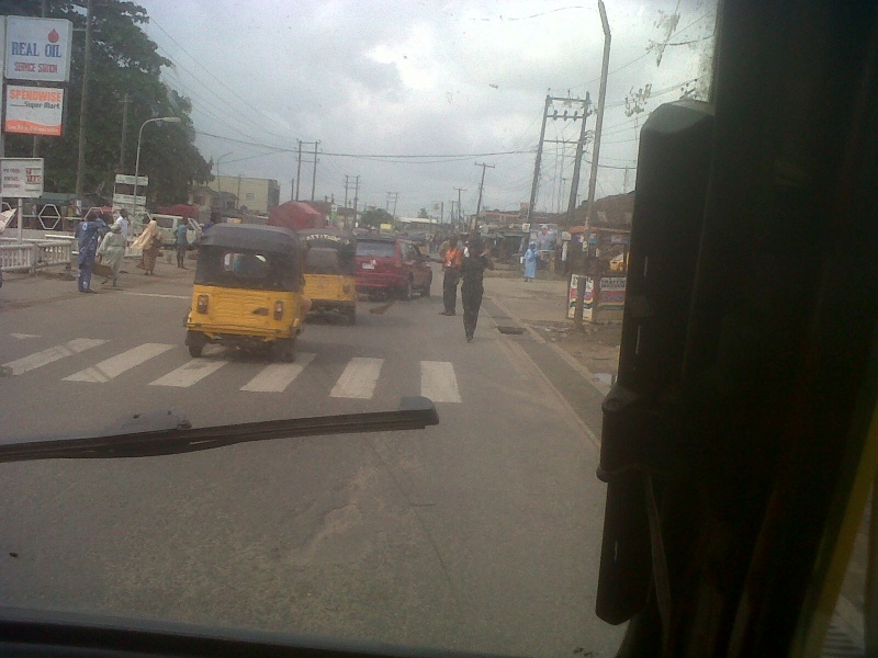 Traffic Police Extortion along Isolo Mushin Road | stopthebribes